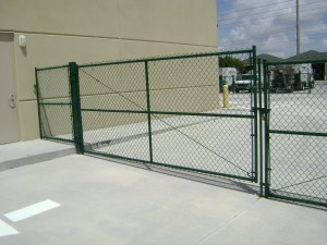 COMERCIAL GREEN CHAIN LINK