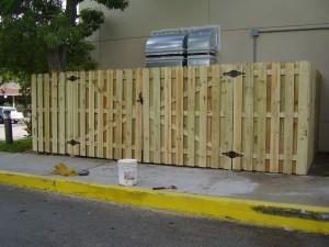 SHADOWBOX STYLE SWING GATES